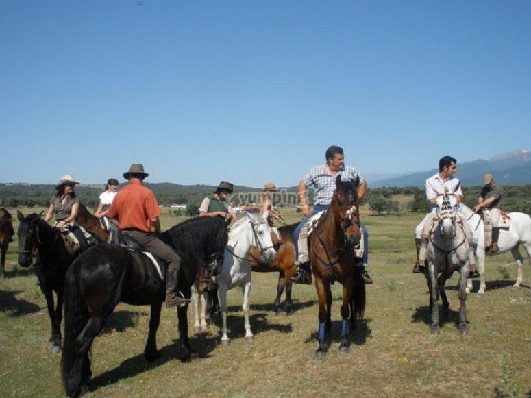 Excursión para grupos a caballo Arenas de San Pedro