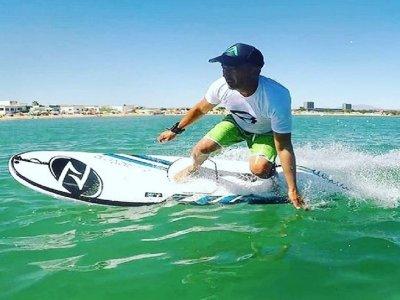 Alquiler tabla de surf eléctrica Benalmádena 20min