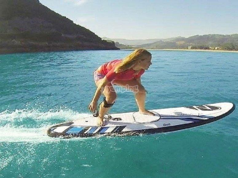 Surfeando en Benalmádena pulsando un botón