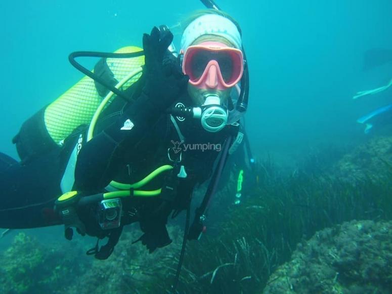 维多利亚港未来职业潜水员