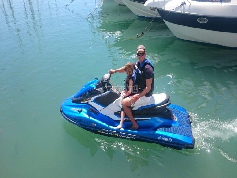Apasionados por las motos de agua en familia Málaga