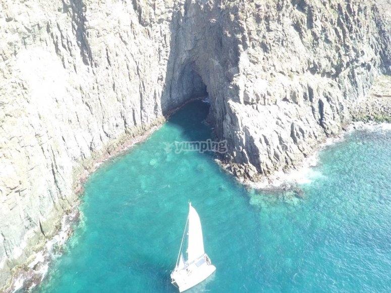 Paseo en catamarán a vela desde Adeje