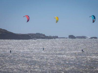Curso privado kitesurf en Playa Los Lances 2 horas
