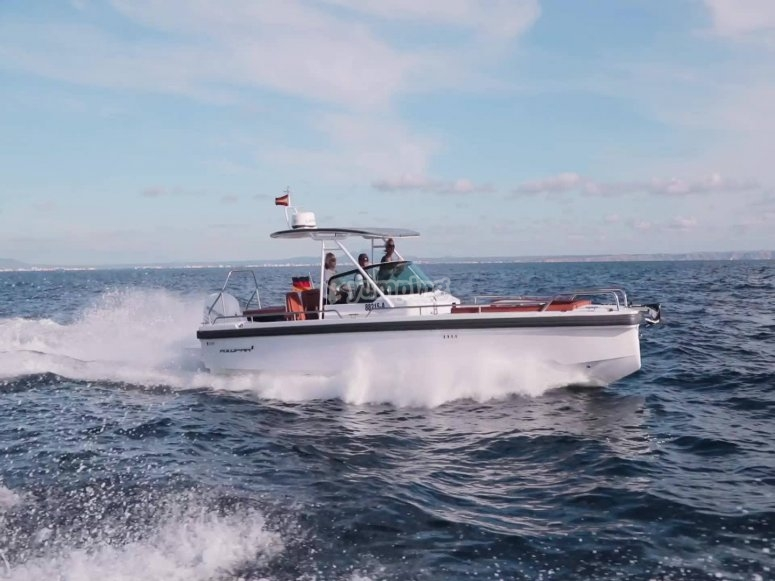 Boat trip across coasts of Girona