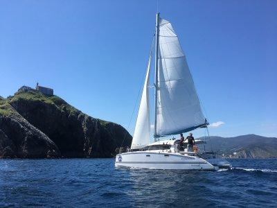 Ruta en barco por Gaztelugatxe de 2 horas y 45 min