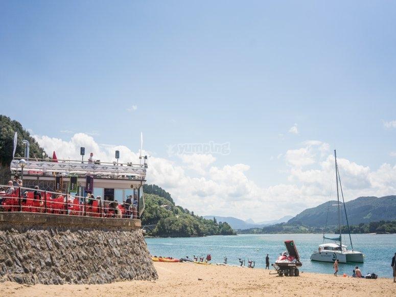 Parte nuestra embarcación desde Bermeo