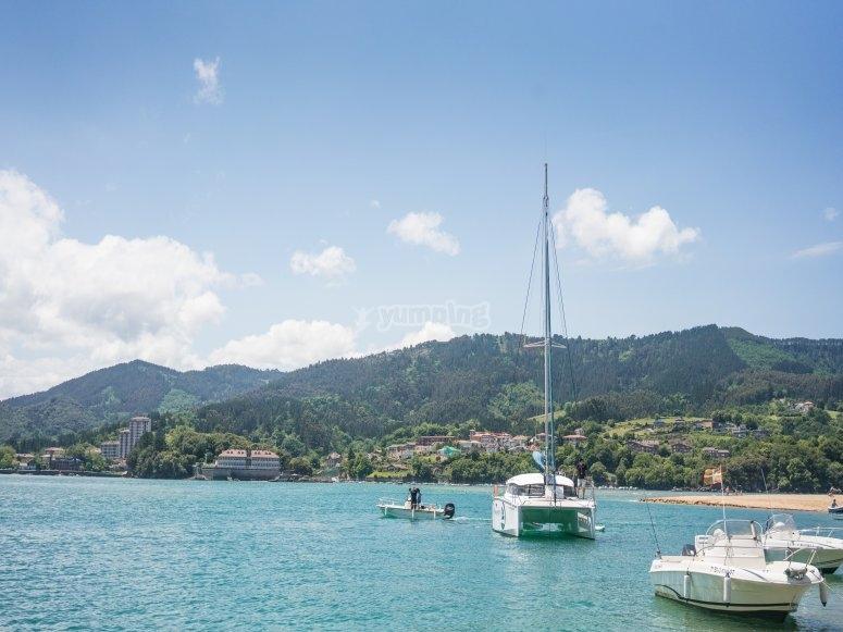 Jornada de ruta en barco en Urdaibai