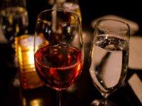 Cata de 4 vinos a bordo de un barco en Getxo 2h