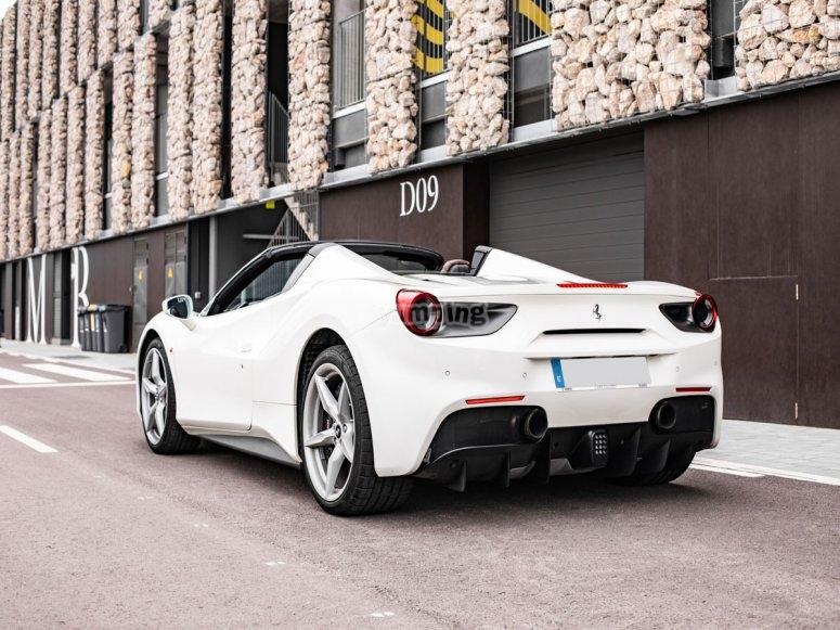 La experiencia de manejar un Ferrari en Barcelona