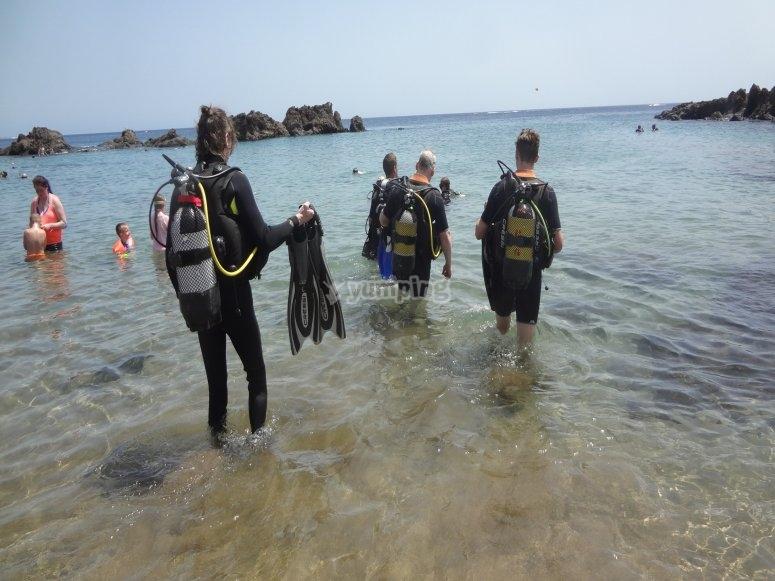 A por el día de buceo en Playa Chica