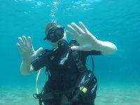 Bautismo de buceo en la Bahía de Playa Chica