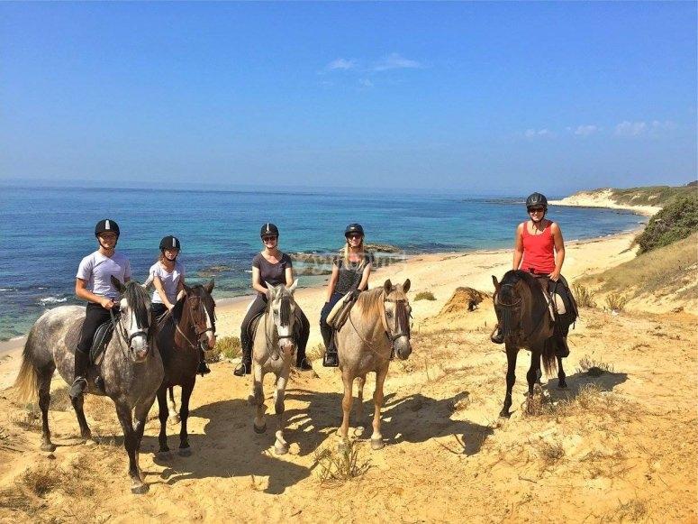 塔里法海岸的骑马