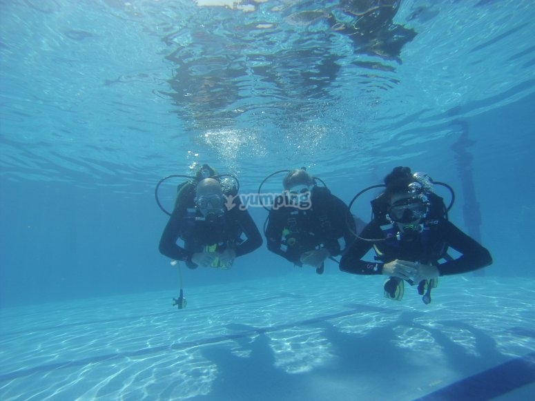Bautismo de buceo en piscina en Illescas