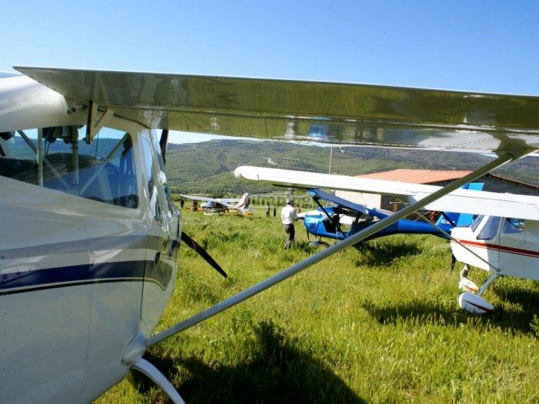 Avionetas en tierra