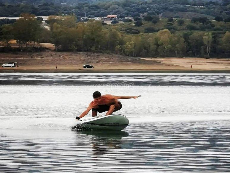 Surfear sin olas en Extremadura