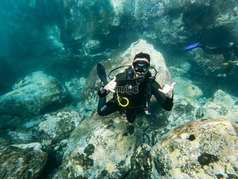 海底潜水-学习在特内里费岛潜水