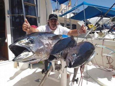 Pesca en chárter y bebidas en la Costa Adeje 4 h