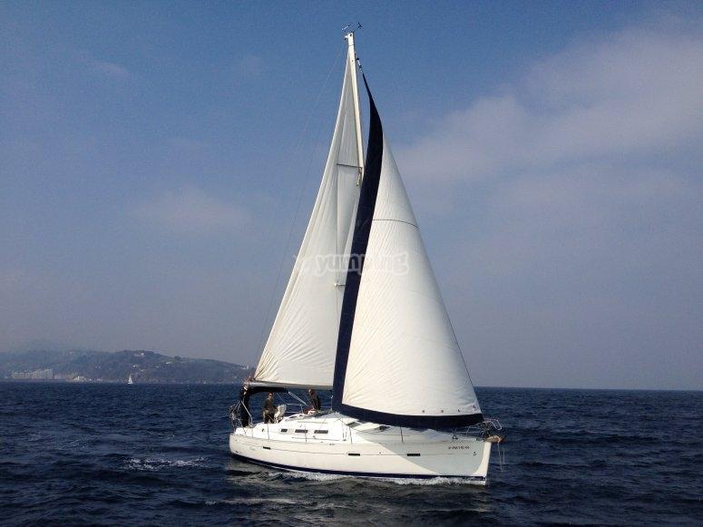 水手训练有素,在坎塔布连的航行日