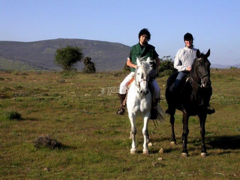Visita a caballo la zona montañosa de Antequera