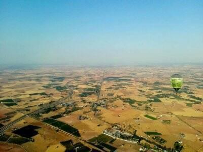 乘坐飞往Ciudad Real的气球1小时儿童