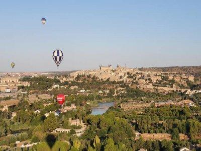 在Toledo 1h成人的气球飞行和午餐