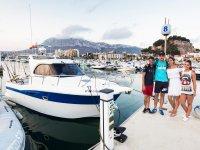 Pasear en barco con la familia Dénia