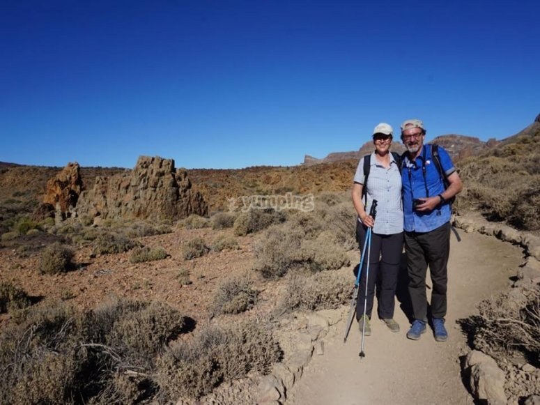 Expertos senderistas rumbo a coronar el Teide