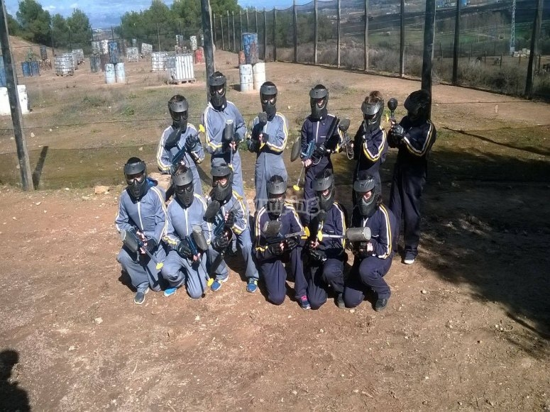 Two teams facing paintball in Lleida