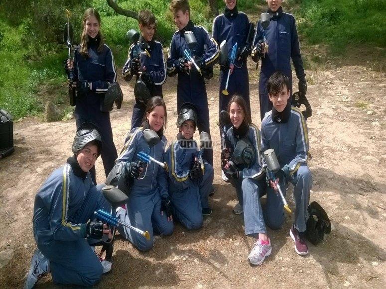Pistolas cargadas para derribar al adversario