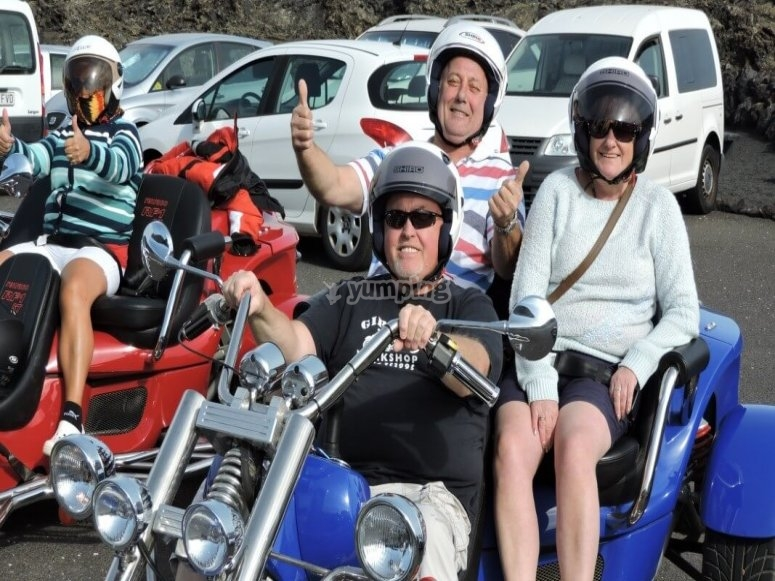 摩托车三轮车导游兰萨罗特岛