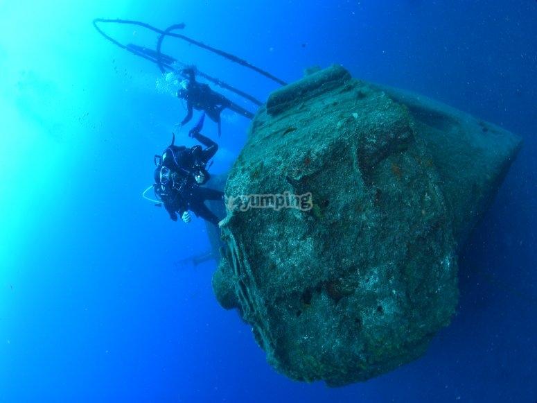 了解潜水设备