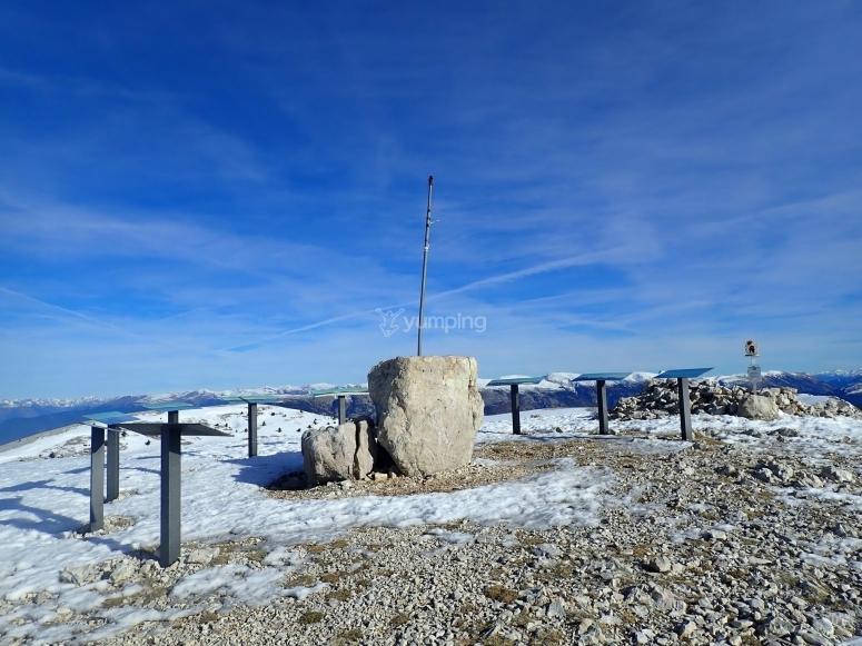 在孔德港的雪峰会