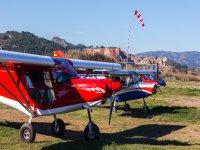 拉略萨的超轻型启动飞行 15 分钟
