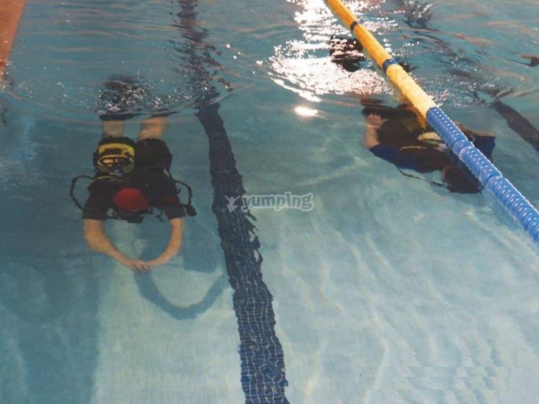 瓦尔德莫罗泳池的潜水