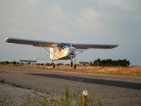 在阿尔戈多尔(Algodor)试飞25分钟