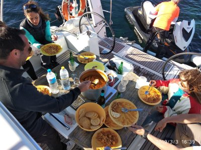 Boat trip with gourmet food in Torrevieja 5h