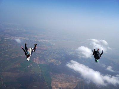 Oferta de primavera paracaidismo en Sevilla 3000 m