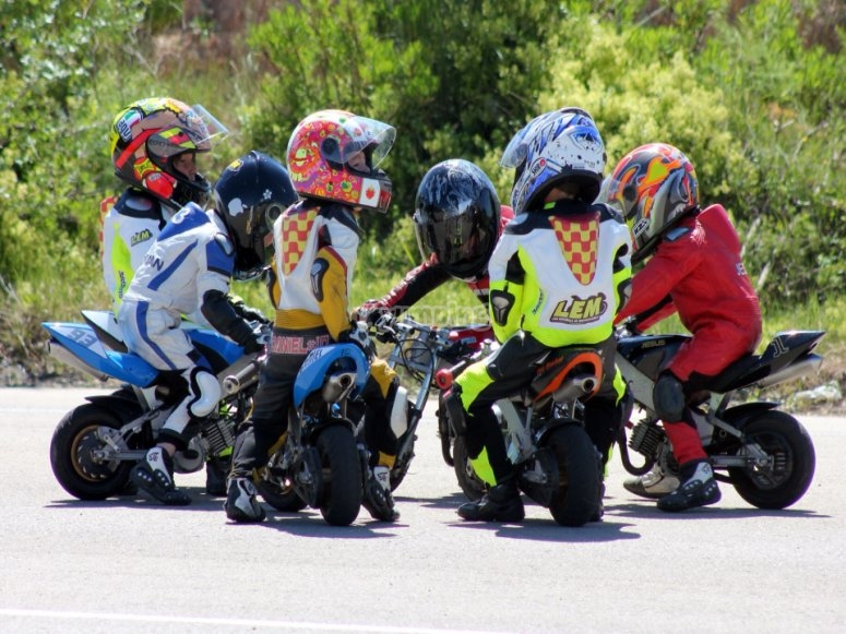 Grupo de minimoteros en Maspalomas