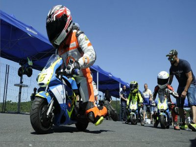 Curso junior pilotaje moto en Maspalomas 8h