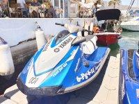 Moto de agua Yamaha en el puerto de Fuengirola