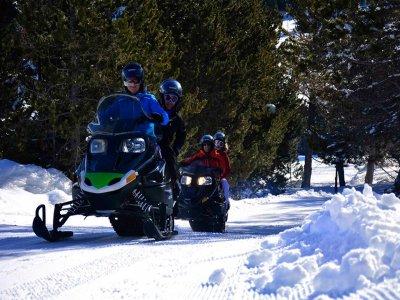 Ruta en moto de nieve en Los Pirineos 2 horas