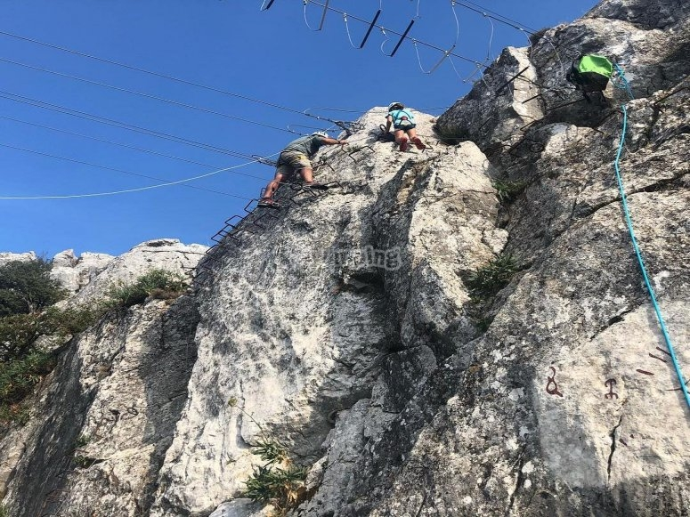Jornada de vía ferrrata en la Sierra de Gracia