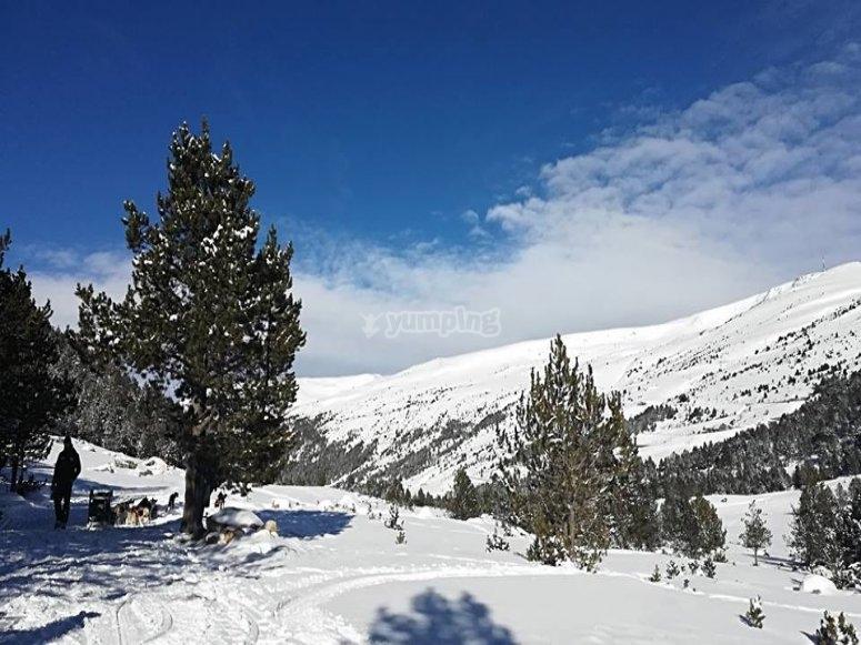 Paraje invernal para practicar deportes de invierno