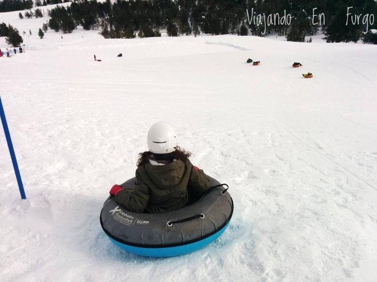 在Grau Roig的雪地滑坡