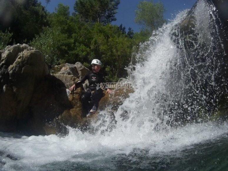 Initiation to canyoning in Rio Verde