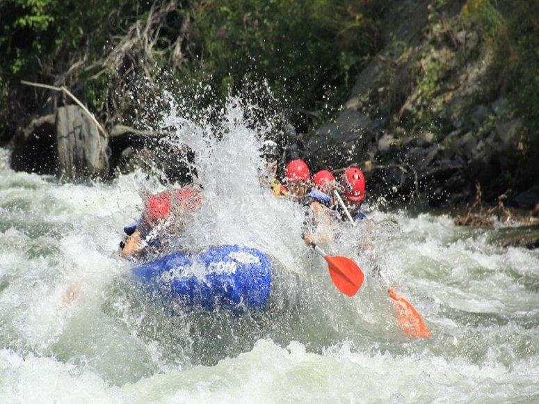 克服La Lavadora急流的白水