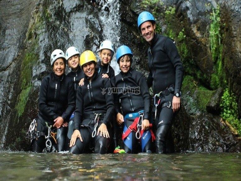 在Berrós进行峡谷漂流