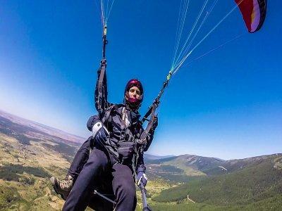 Volo in parapendio in alta montagna Pedro Bernardo 30min
