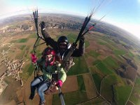 Volo in parapendio con acrobazie e video Arcones