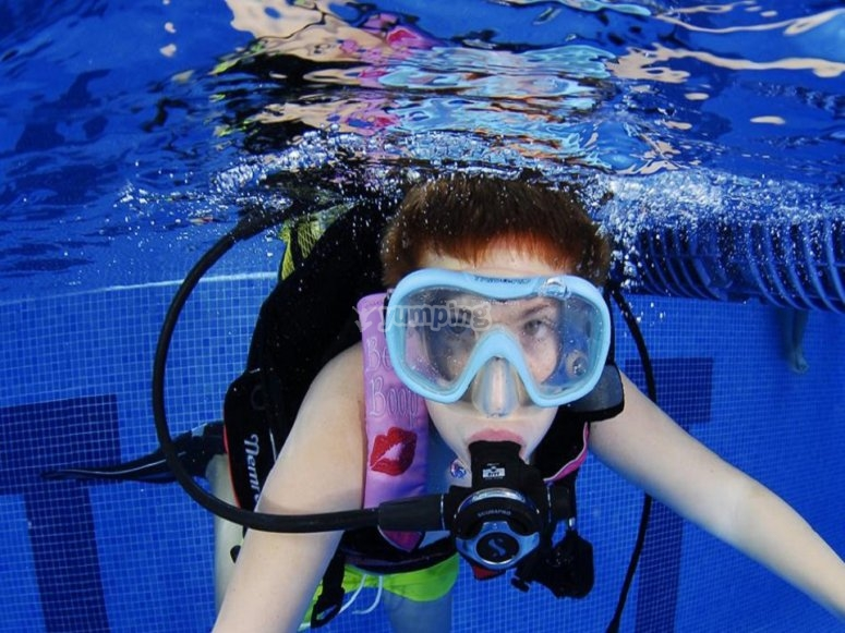 潜水马德里泳池